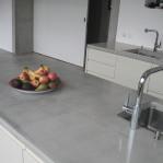 cuisine en béton dans une ancienne orangerie - Geneve 2006 Charles Pictet architectes