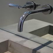 détail lavabo en béton - design Marc Calame