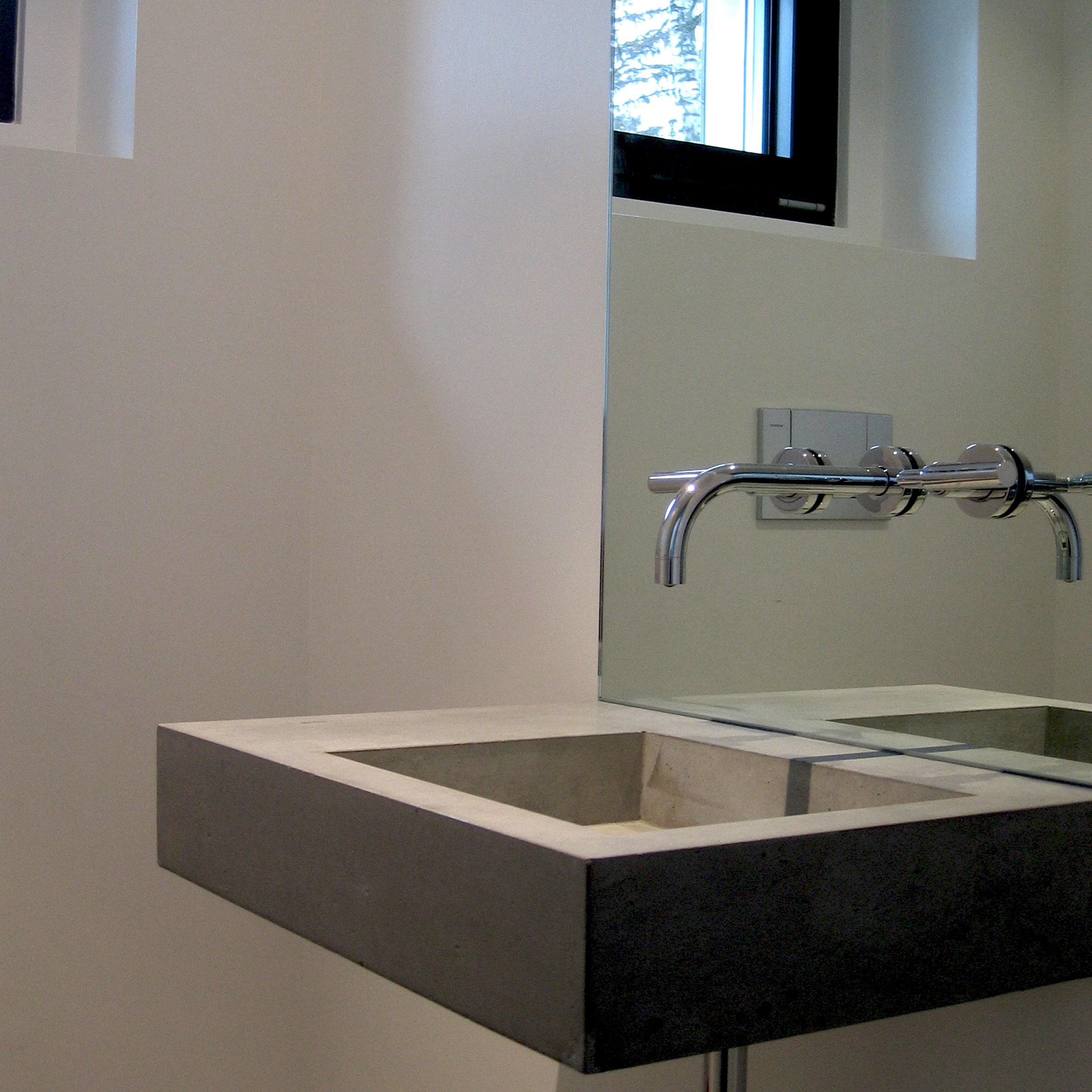 Lavabo en b ton design marc calame form c for Lavabo en beton cire