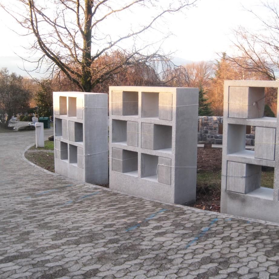 stèles à urnes - architecte Reto Ehrat